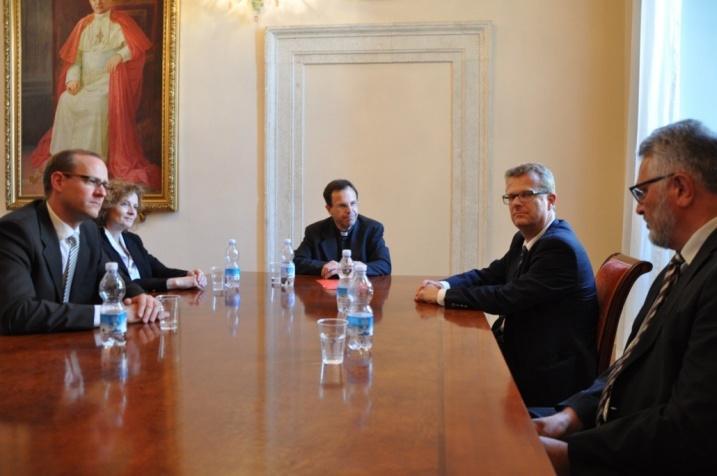 bzBasel: Vatikan hört Baselbieter Bitte