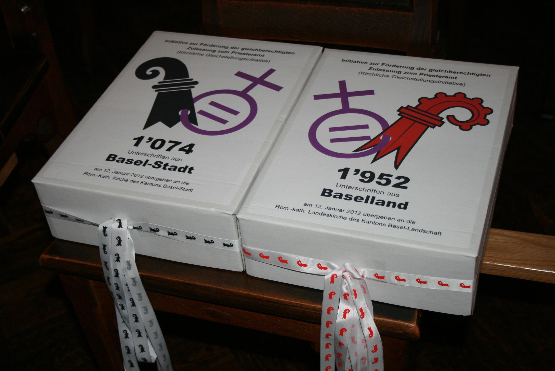 Über 3'000 Unterschriften an die Synodenpräsidien übergeben